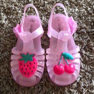 Girls adorable sandals....cat & jack brand🍉🍒